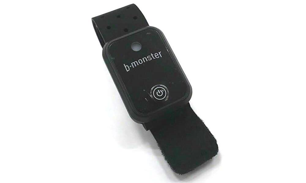 b-monster オリジナル「フィットネストラッカー」