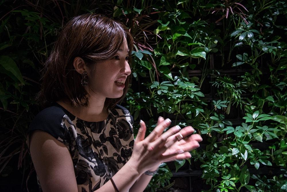倉田 沙友里さま。シャンパーニュの輸入に携わる仕事柄、飲む機会が多いので体のキープに気を使います。