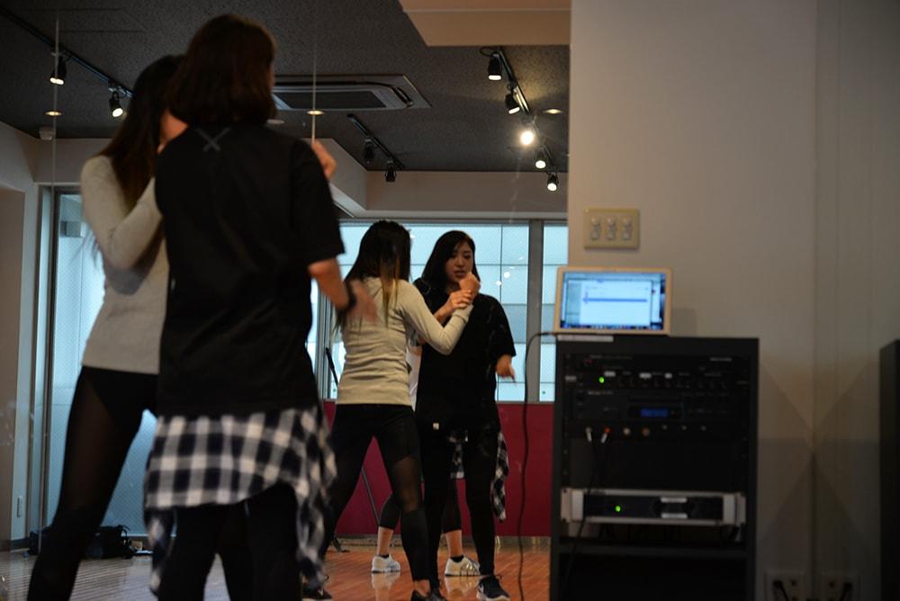 1年間アルバイトでお金を貯めてダンスの専門学校に。パフォーマーTATSUMI